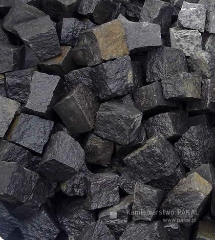 czarna kostka granitowa